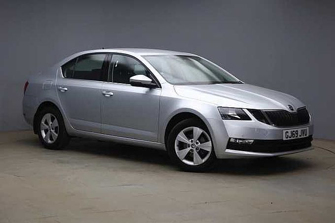SKODA Octavia Hatchback 1.6 TDI SE Tech SCR 115ps DSG